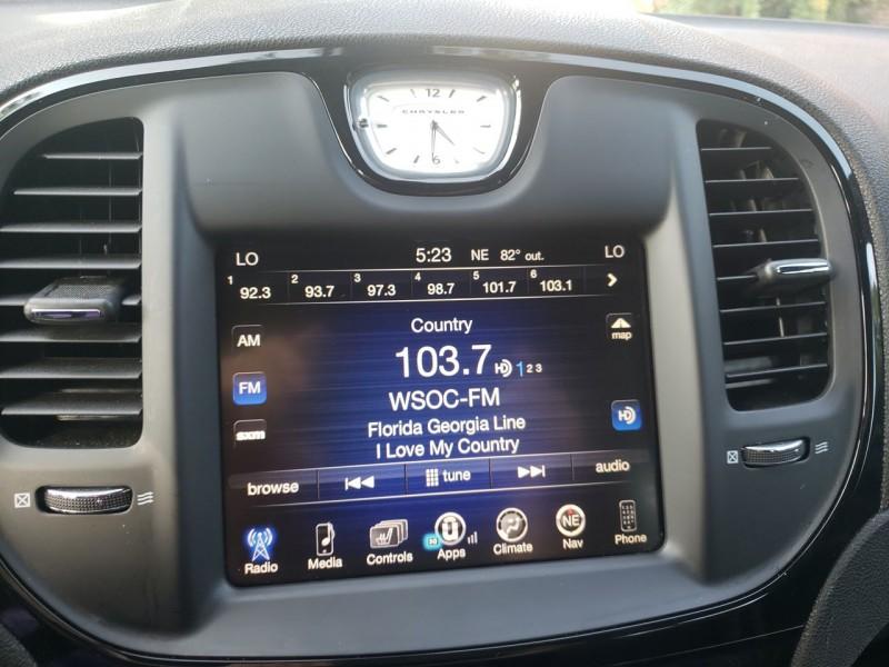 Chrysler 300 2016 price $22,400
