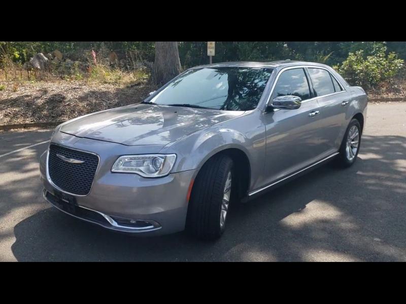 Chrysler 300 2016 price $16,800