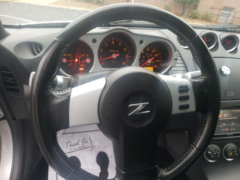 Nissan 350Z 2004 price $12,400