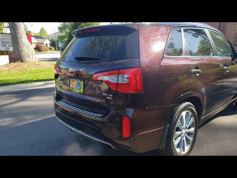 Kia Sorento 2015 price $15,900