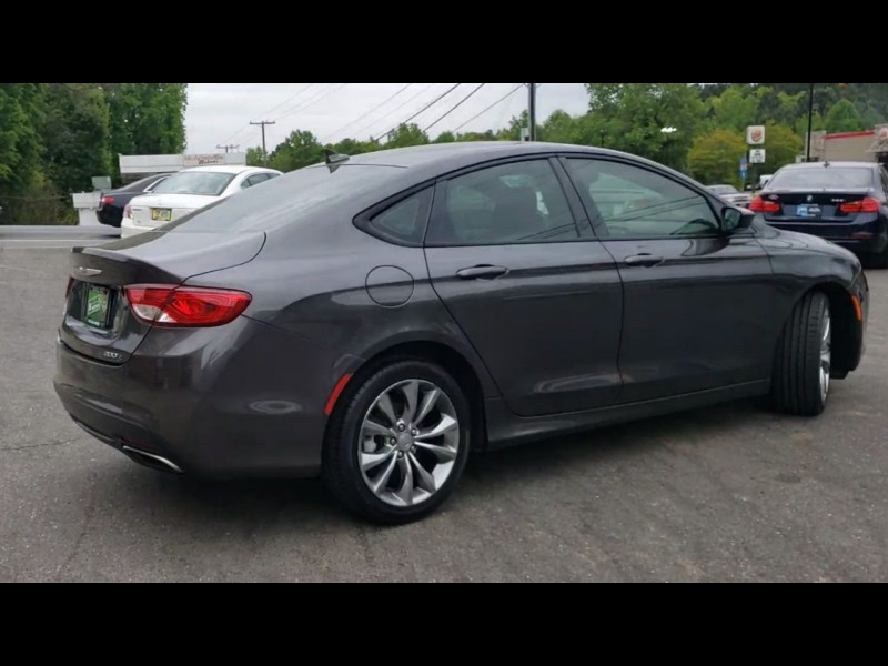 Chrysler 200 2015 price $12,800