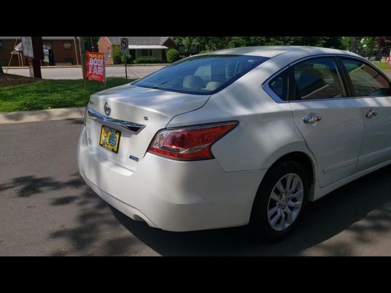 Nissan Altima 2015 price $12,900