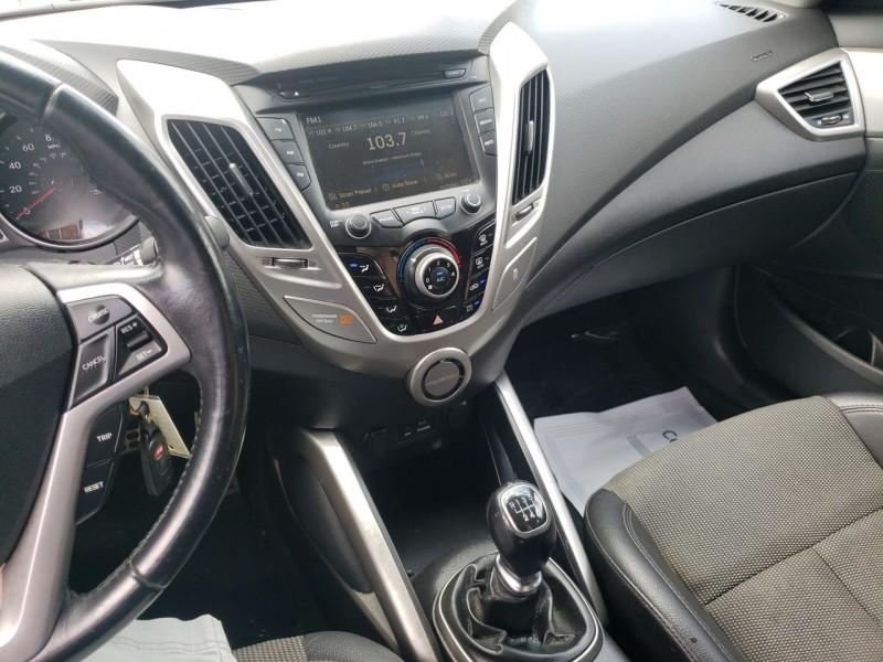 Hyundai Veloster 2013 price $9,400