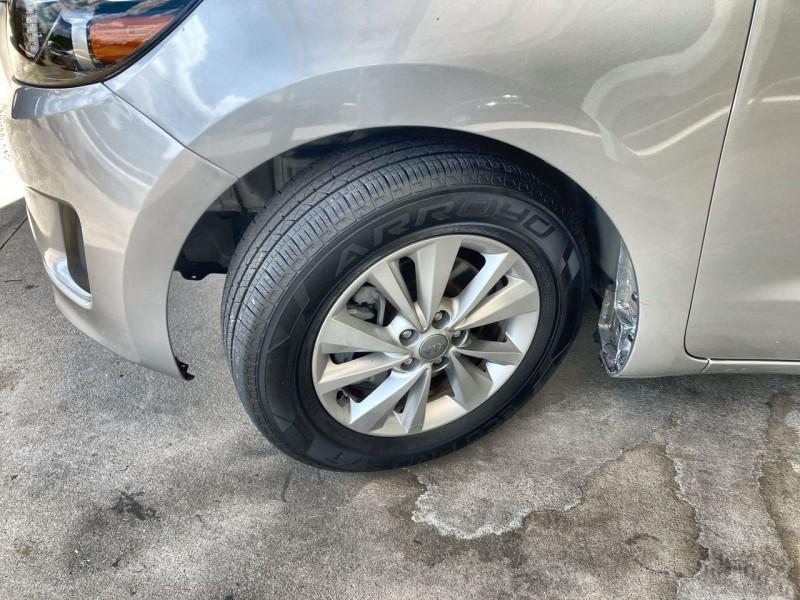 Kia Sedona 2016 price $17,800