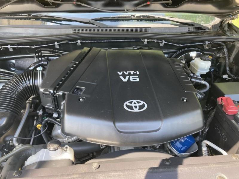 Toyota Tacoma 2010 price $18,900