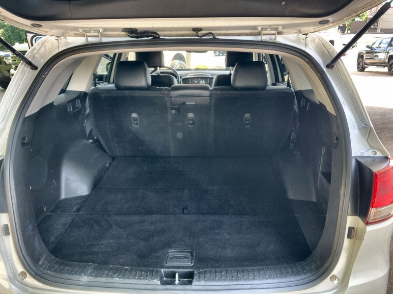 Kia Sorento 2017 price $19,900
