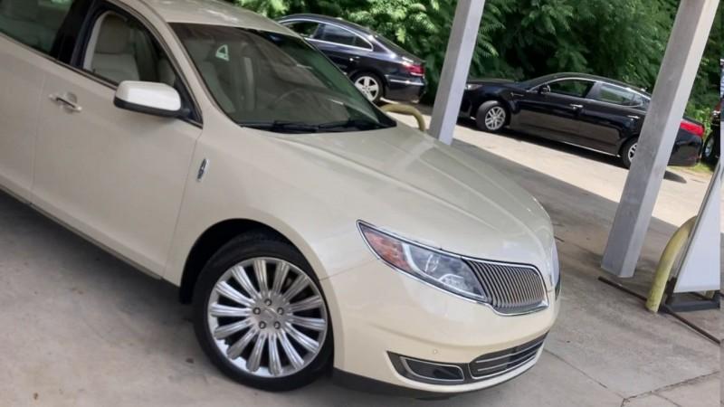 Lincoln MKS 2014 price $14,900