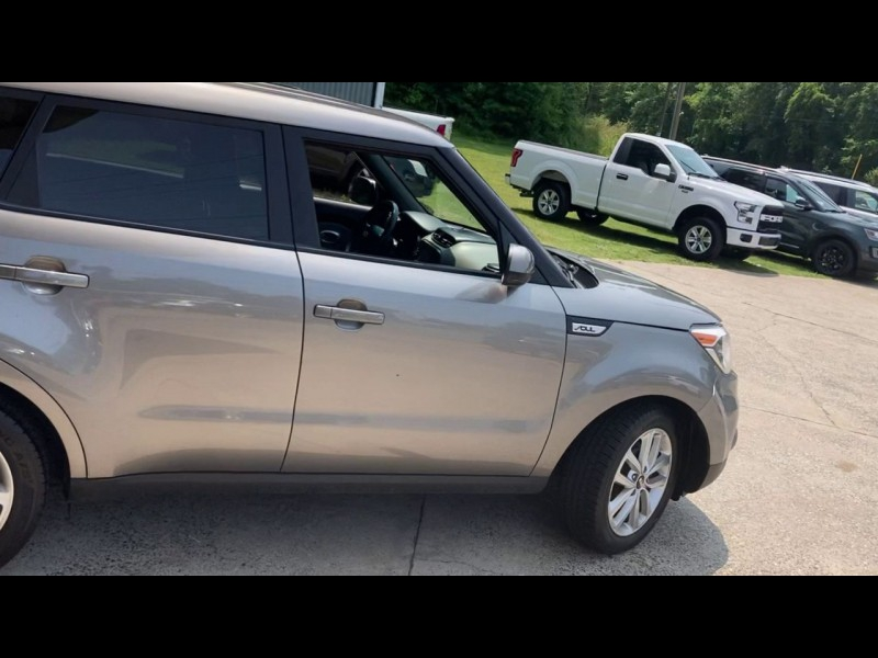 Kia Soul 2017 price $14,900