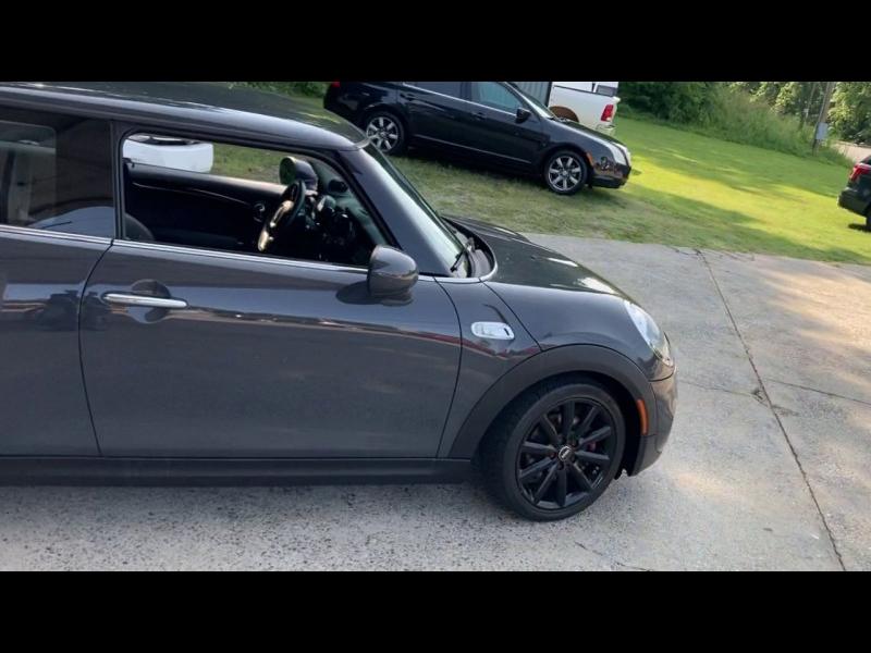 Mini Cooper Hardtop 2015 price $15,800