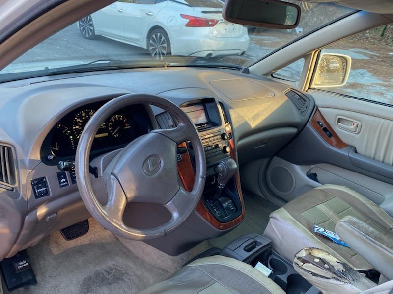 Lexus RX 300 Luxury SUV 1999 price $2,900