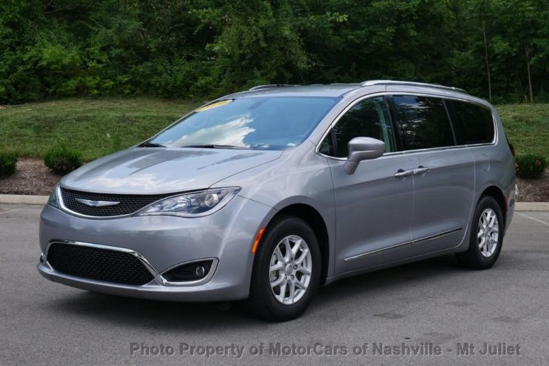Chrysler Pacifica 2020 price $26,499