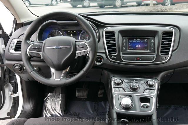 Chrysler 200 2015 price $8,199