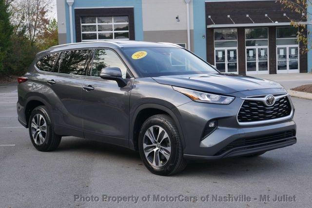 Toyota Highlander 2020 price $33,699
