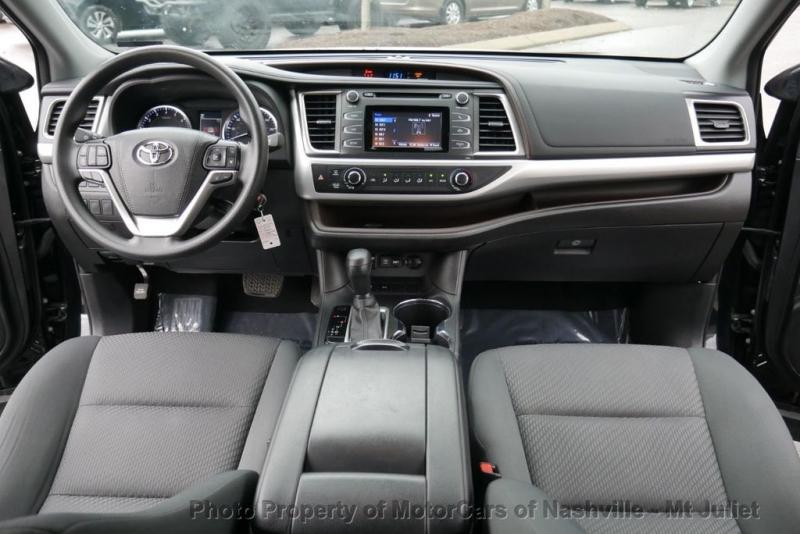 Toyota Highlander 2019 price $25,160