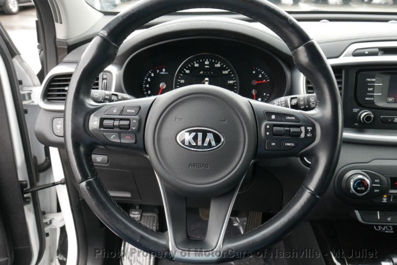 Kia Sorento 2016 price $12,899