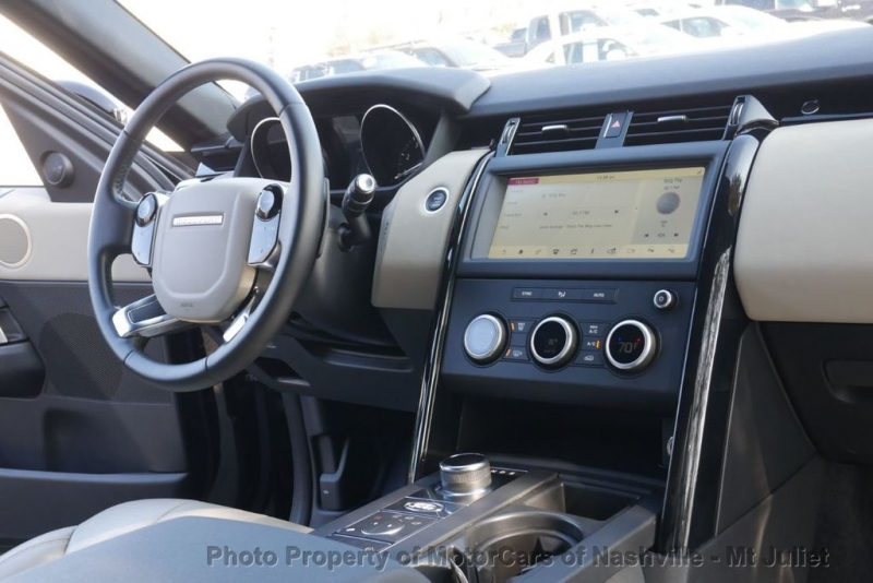 Land Rover Discovery 2020 price $36,998