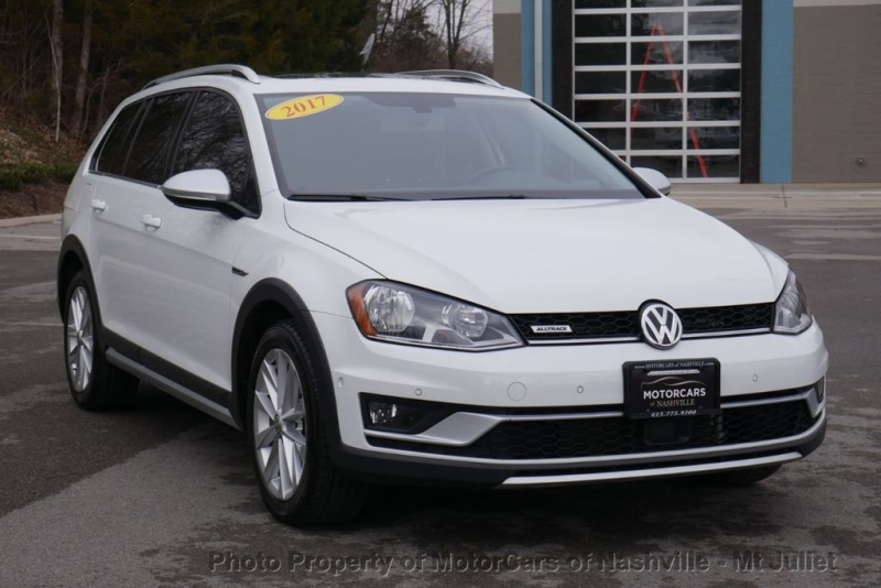 Volkswagen Golf Alltrack 2017 price $19,899