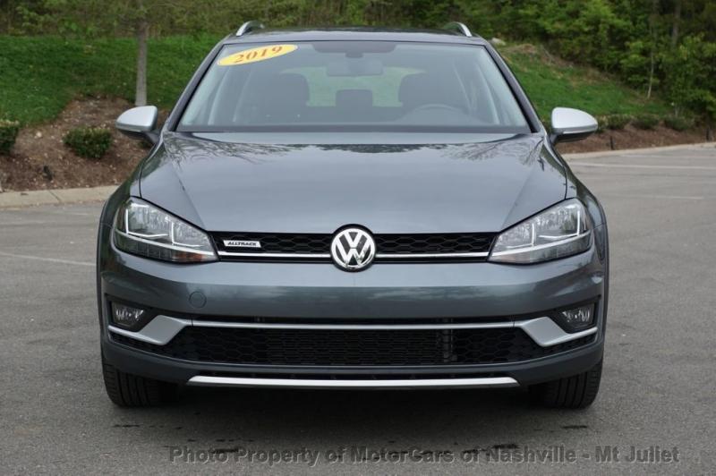 Volkswagen Golf Alltrack 2019 price $25,799