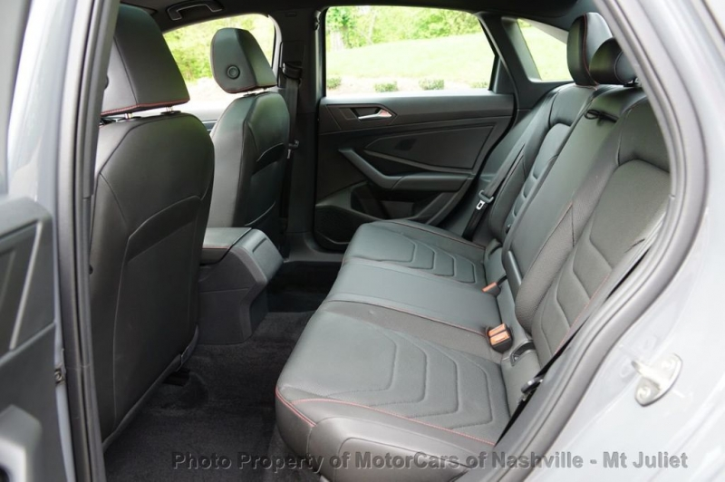 Volkswagen Jetta GLI 2019 price $28,499