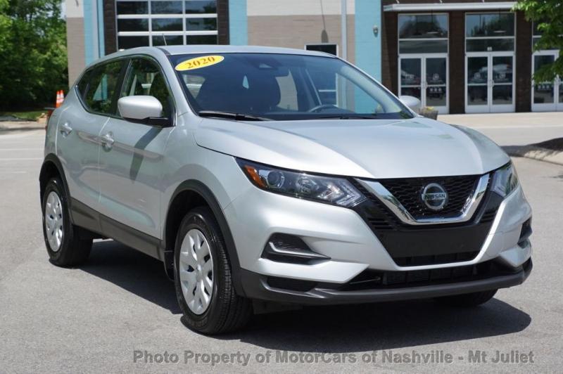 Nissan Rogue Sport 2020 price $19,899