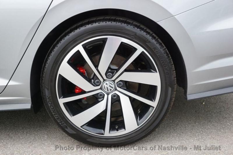 Volkswagen Jetta GLI 2019 price $27,899