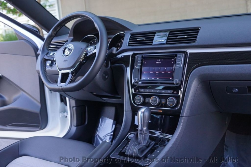 Volkswagen Passat 2018 price $22,998