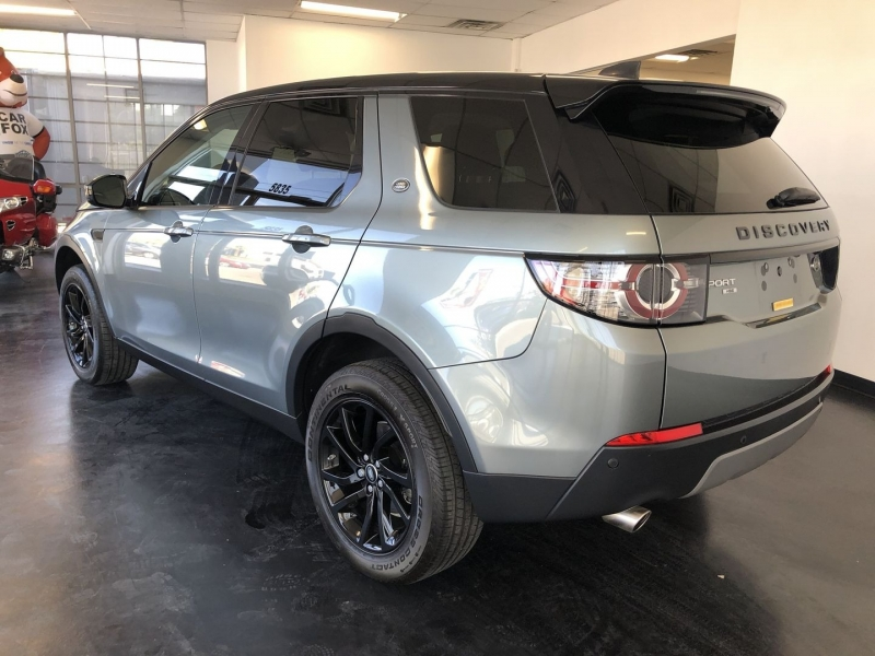 Land Rover Discovery 2017 price $33,959