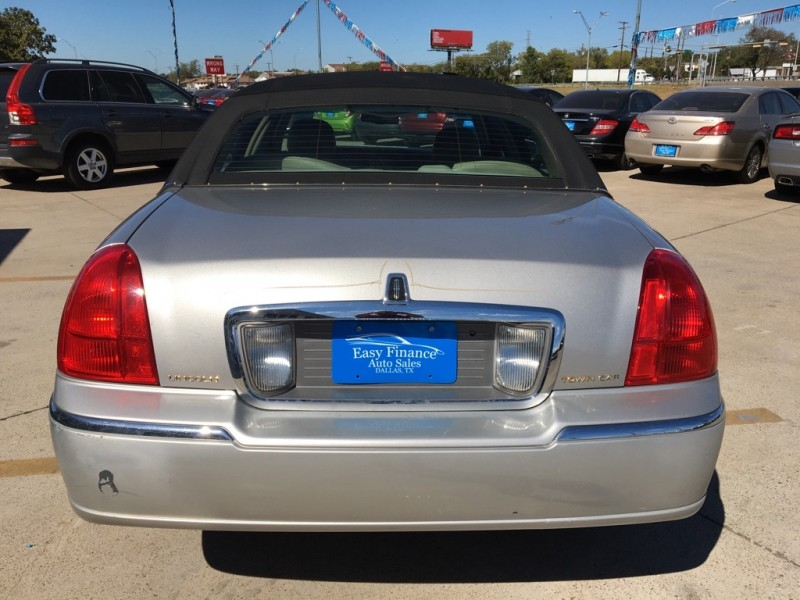 LINCOLN TOWN CAR 2006 price $5,250