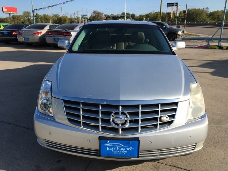 CADILLAC DTS 2009 price $5,995