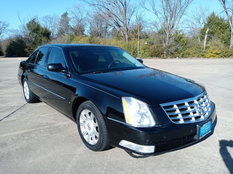 CADILLAC DTS 2009 price $6,495