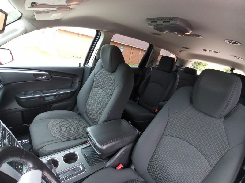 CHEVROLET TRAVERSE 2011 price $8,500