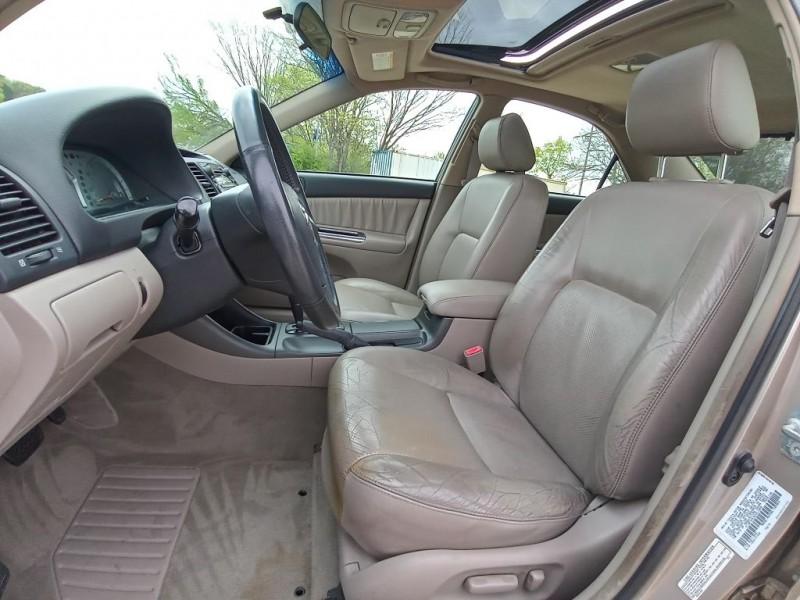 TOYOTA CAMRY 2002 price $7,500