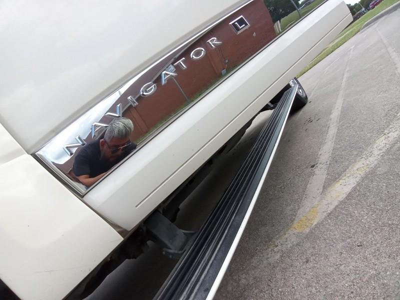 LINCOLN NAVIGATOR 2007 price $8,999