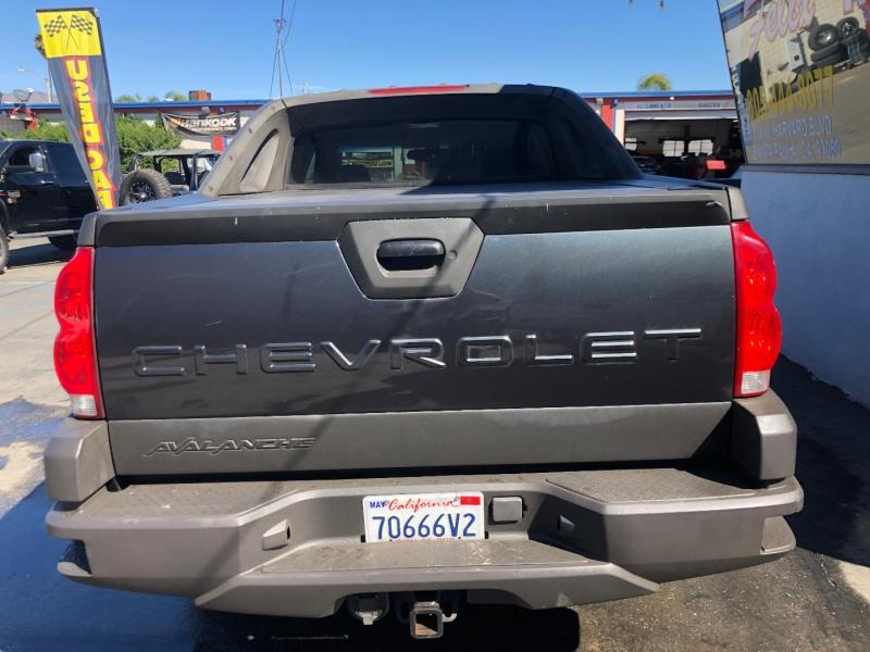 Chevrolet Avalanche 2003 price $5,995