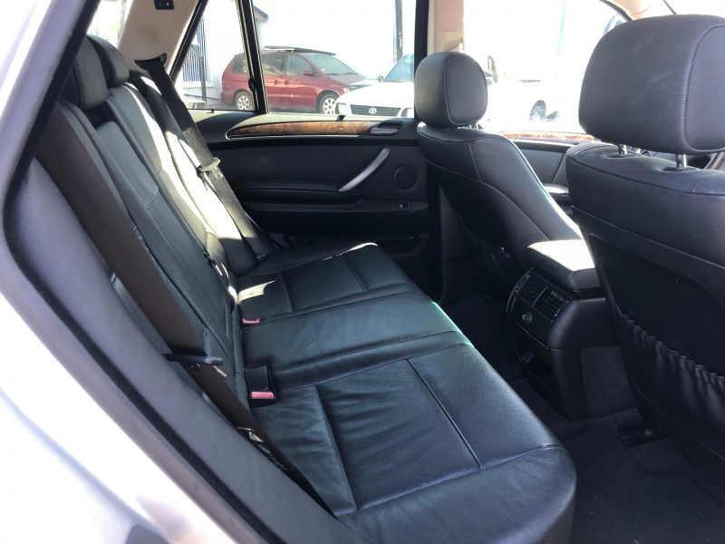 BMW X5 2004 price $2,995