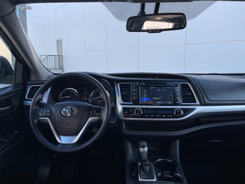 Toyota Highlander Hybrid 2015 price $24,995