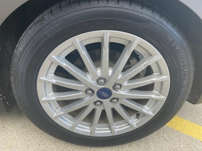 Ford C-Max Hybrid 2013 price $9,995