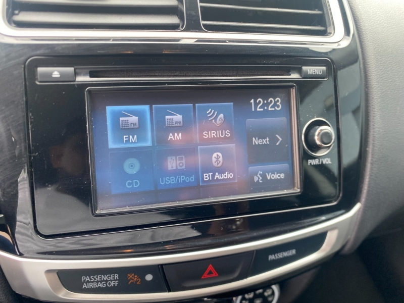 Mitsubishi Outlander Sport 2015 price $11,495