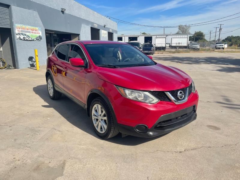 Nissan Rogue Sport 2017 price $13,500