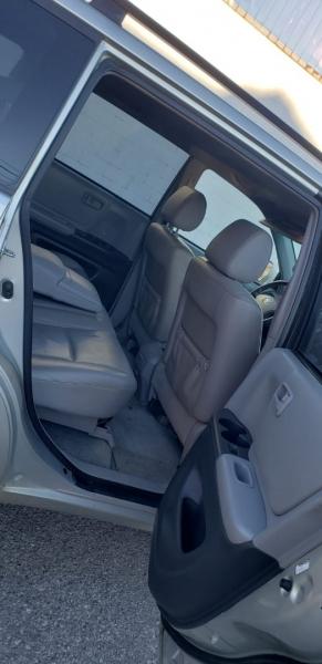 Toyota Highlander 2005 price $4,399