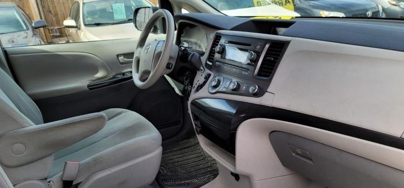 Toyota Sienna 2011 price $6,499