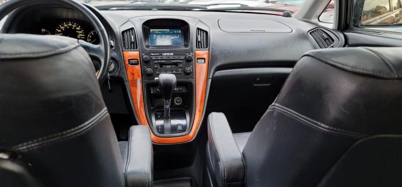 Lexus RX 300 2001 price $2,999