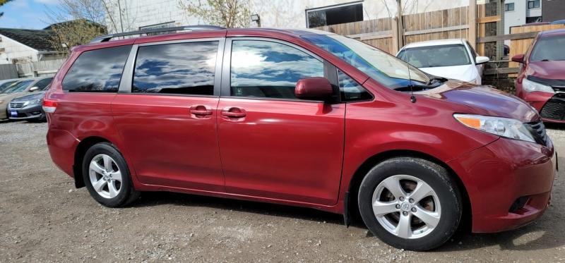 Toyota Sienna 2013 price $8,890