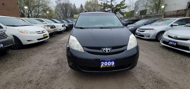 Toyota Sienna 2009 price $3,498