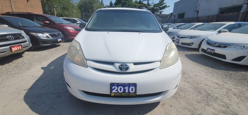 Toyota Sienna 2010 price $3,999