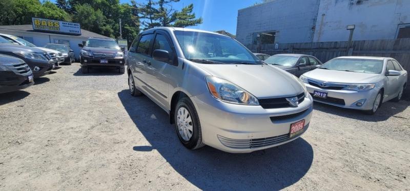 Toyota Sienna 2005 price $3,599