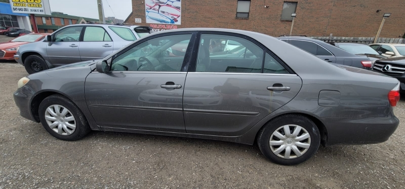 Toyota Camry 2005 price $2,499