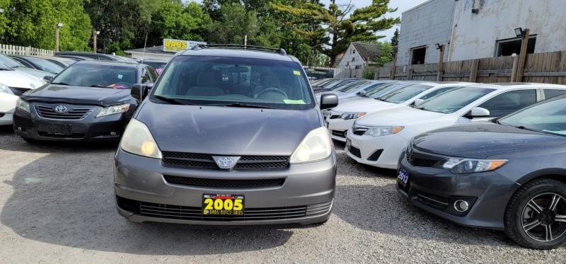 Toyota Sienna 2005 price $3,499