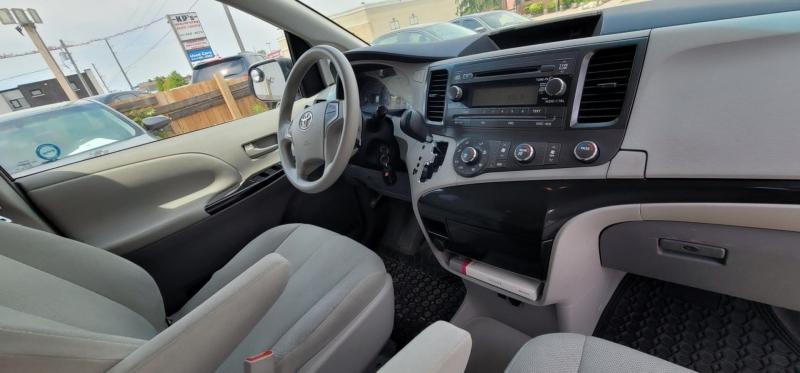 Toyota Sienna 2011 price $6,799