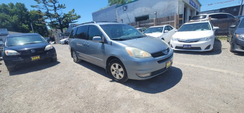 Toyota Sienna 2004 price $3,798